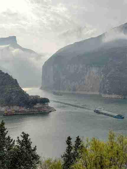 15 Days Magnificent Yangtze Cruise Tour with Bullet Train
