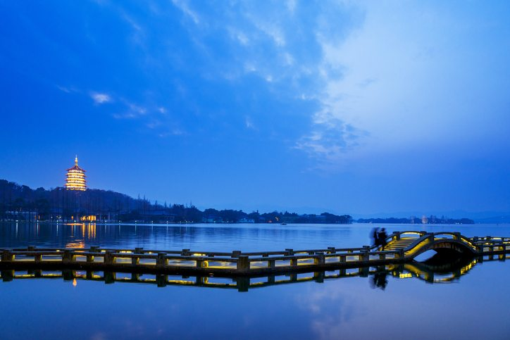 West Lake in Hangzhou, China - China travel packages