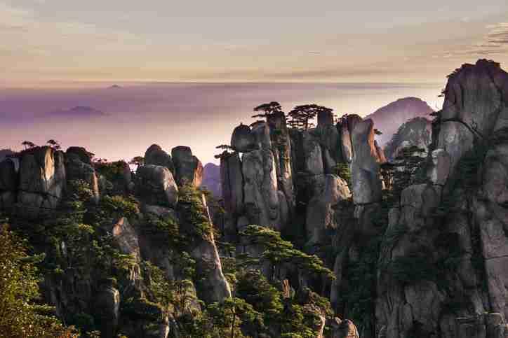 Huangshan mountain in Anhui, China - China Tours